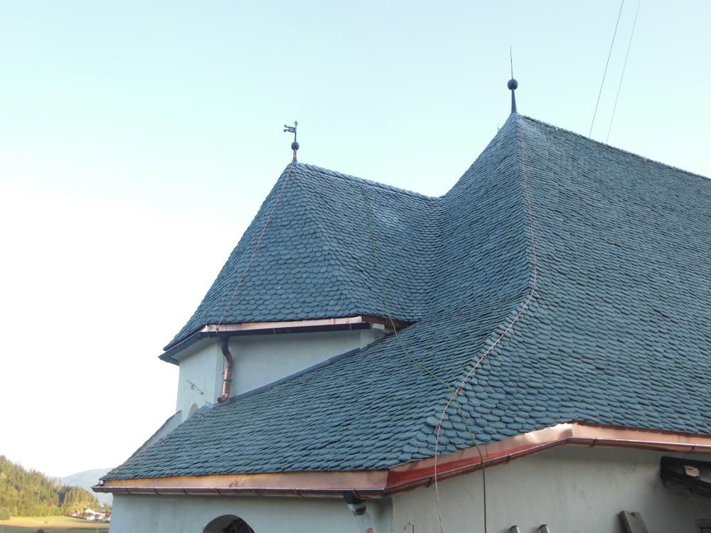 kath. Pfarrkirche Kraig Natursteineindeckung