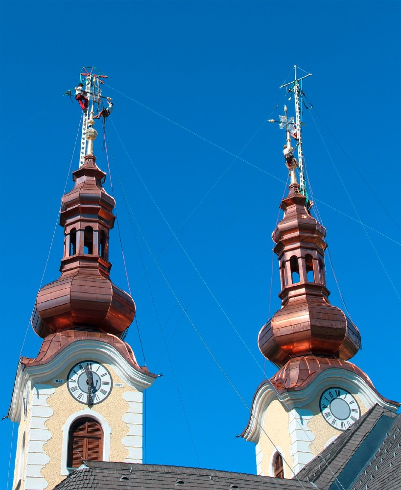 kath. Pfarrkirche Maria Rain Turmschmuck montage